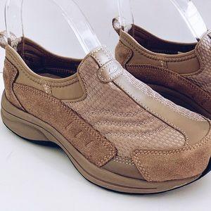 🌻Women's Easy Spirit Beige Sz. 6 Walking Shoes